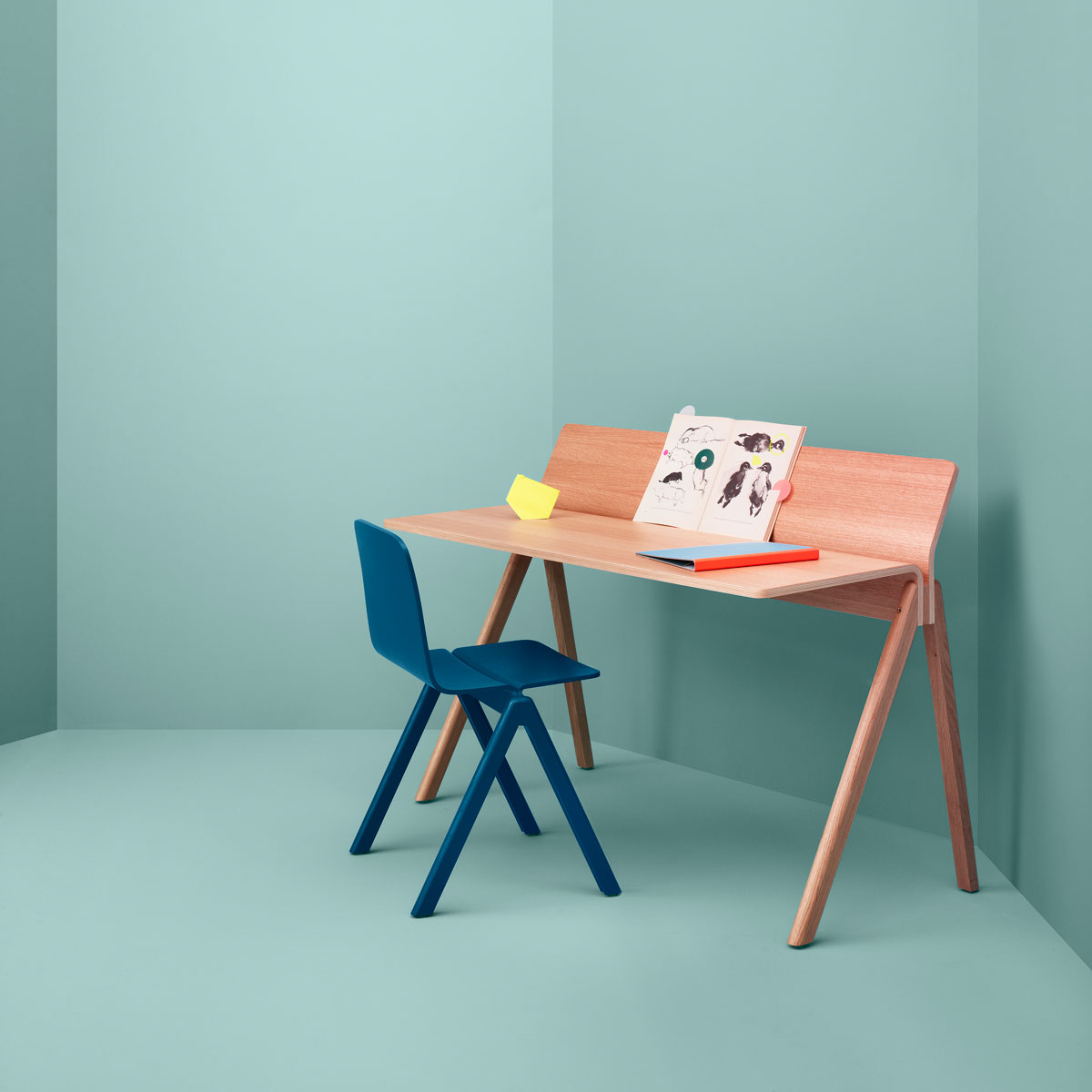 hay cph190 copenhague moulded plywood desk door ronan erwan bouroullec design oostende. Black Bedroom Furniture Sets. Home Design Ideas