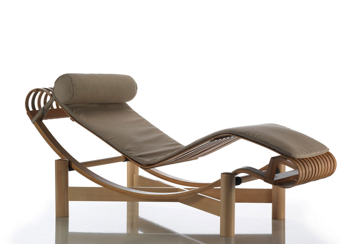 lc4 chaise longue with Cassina 522 Tokyo Outdoor Door Charlotte Perriand on Lecorbusier lc4 chaiselounge b likewise Cassina 522 Tokyo Outdoor Door Charlotte Perriand furthermore Design Icons Le Corbusier additionally New Le Corbusier Lounge Chair together with Salon Con Vistas.