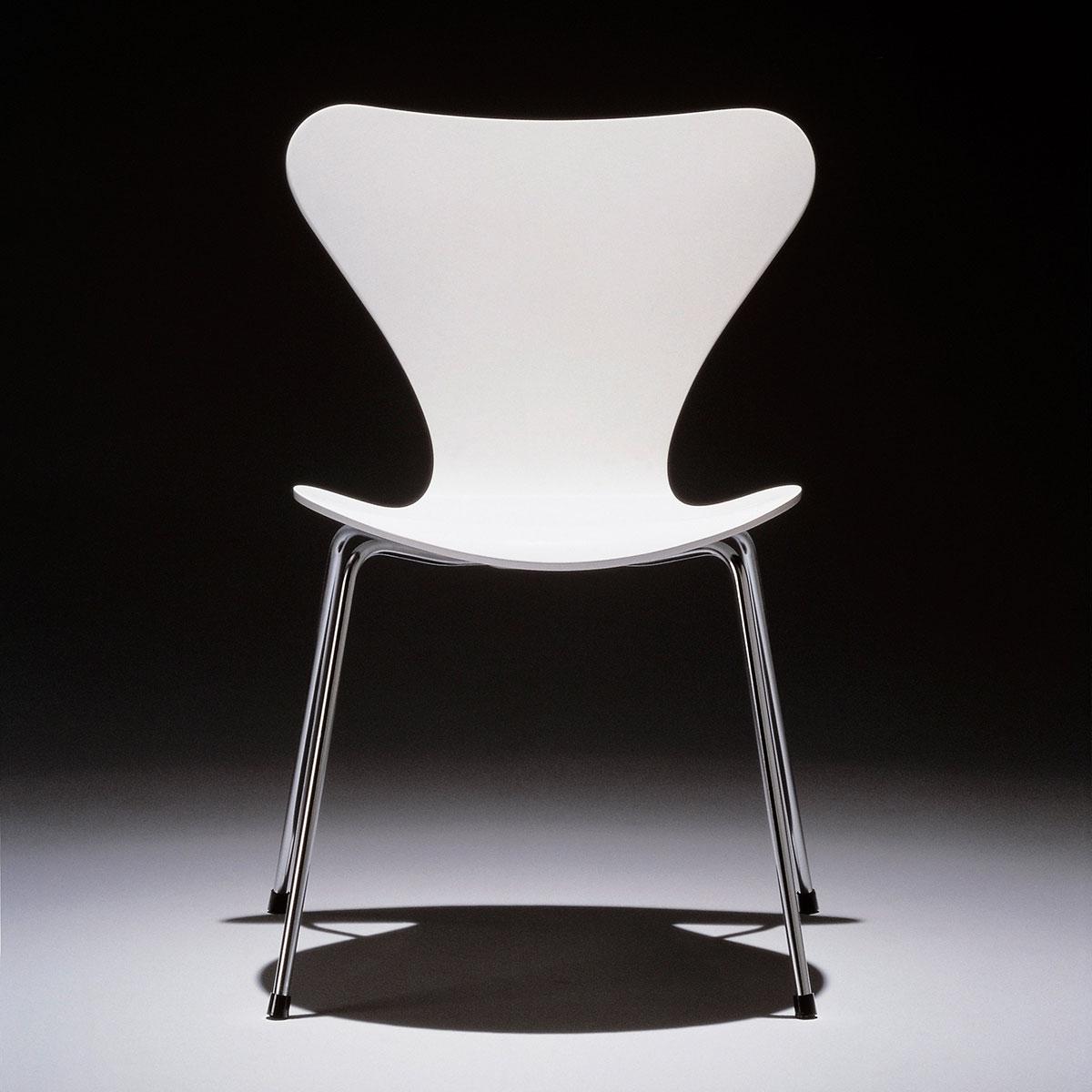 fritz hansen series 7 3107 butterfly chair lacquered door arne jacobsen tijdelijke actie. Black Bedroom Furniture Sets. Home Design Ideas
